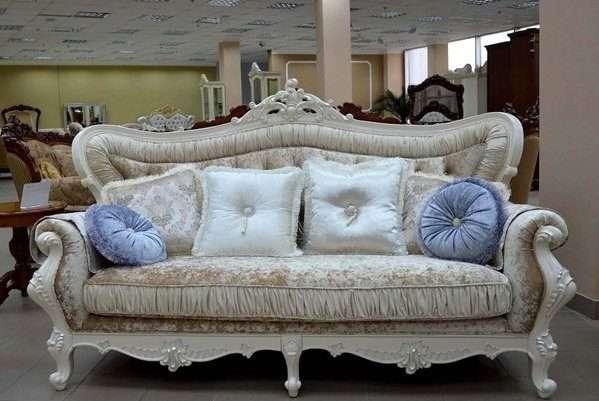 Диван в гостиную в стиле барокко в Одессе