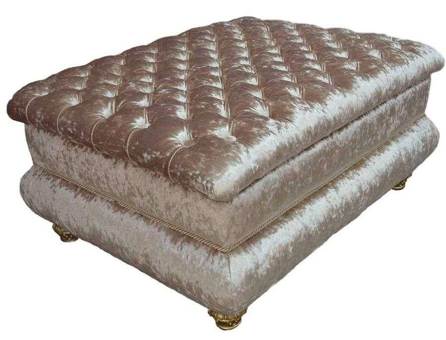 Пуфик к дивану приставной в золотой обивке bellinimebel
