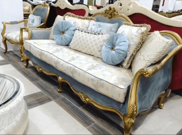 Комплект мягкой мебели на выставке в Одессе