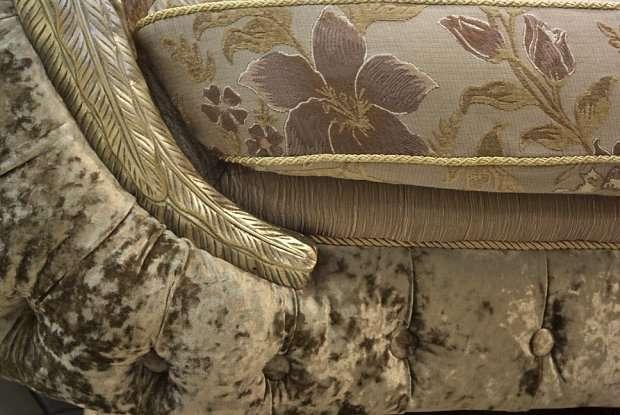 Фото разновидностей обивки классического дивана от instyle group