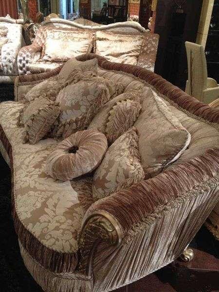 Классический прямой диван премиум класса
