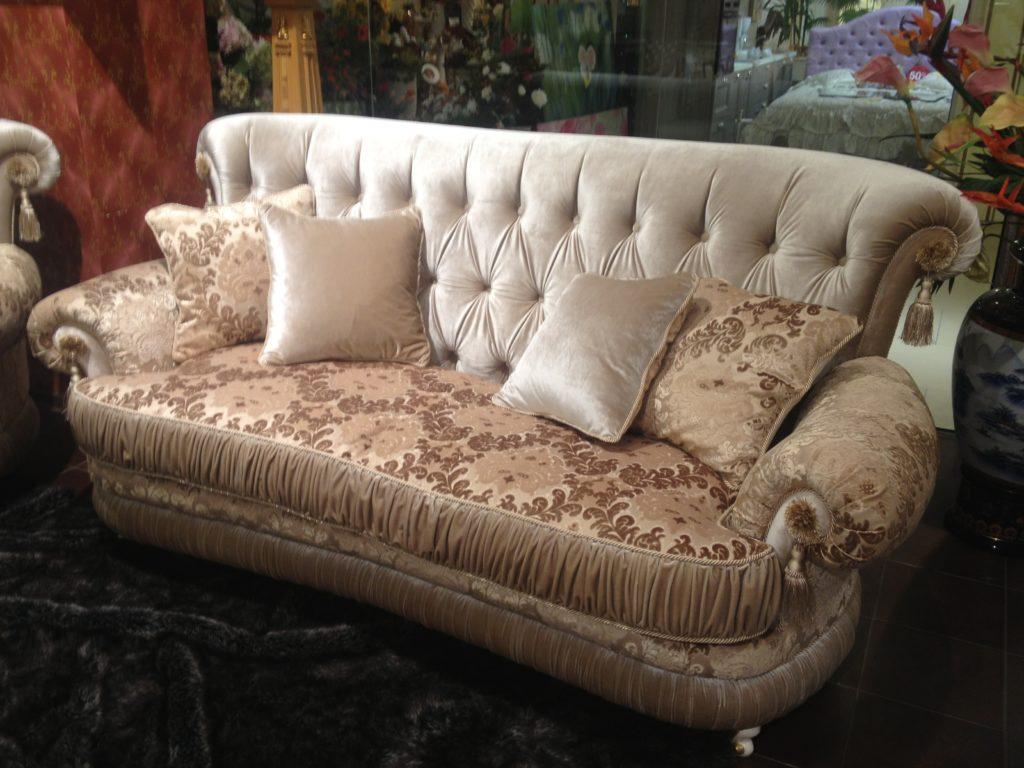 Modesto мягкий раскладной диван в Одессе в классическом стиле