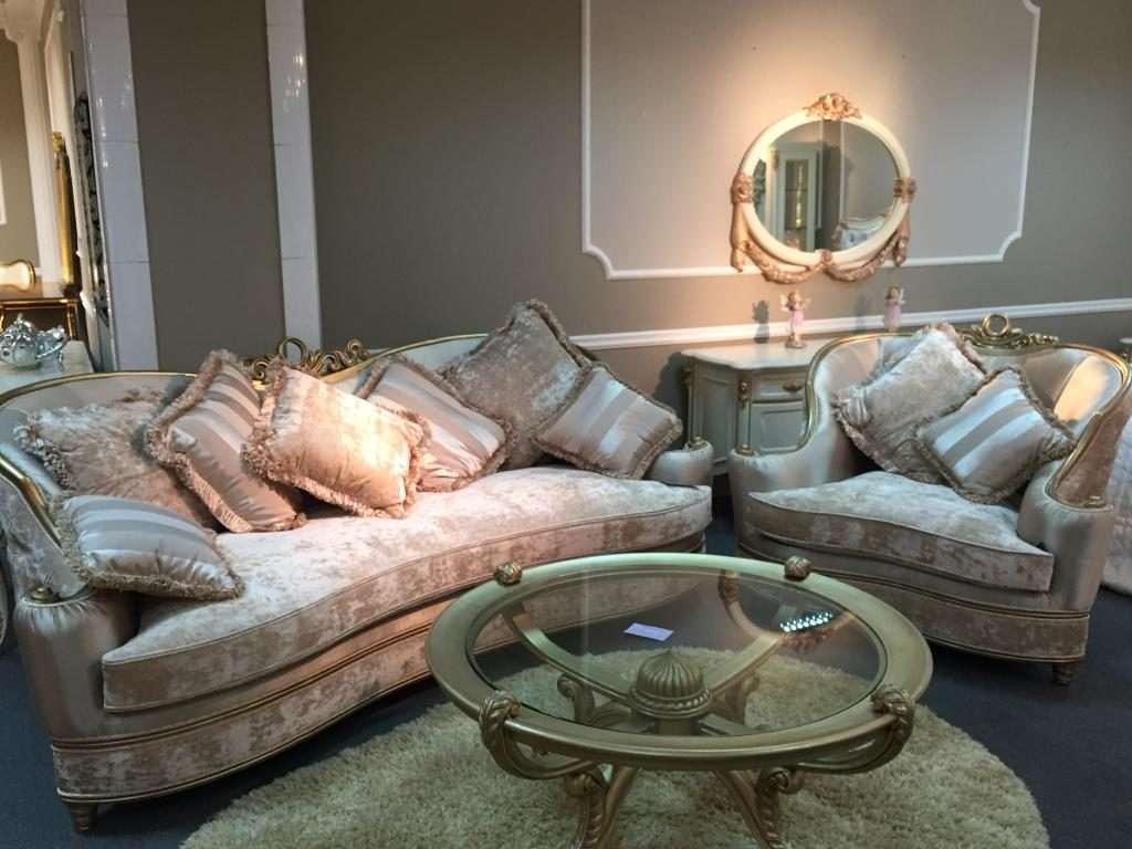 диваны в просторную гостиную в дворцовом стиле -Моцарт