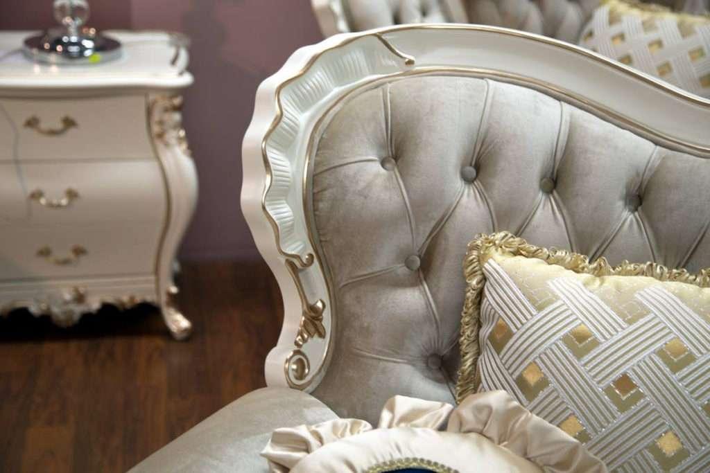 Фигурные резные элементы декора дивана , золотая патина с медным отливом