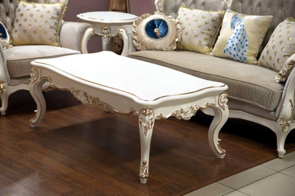 Большой классический журнальный столик в гостиную комнату в белом цвете
