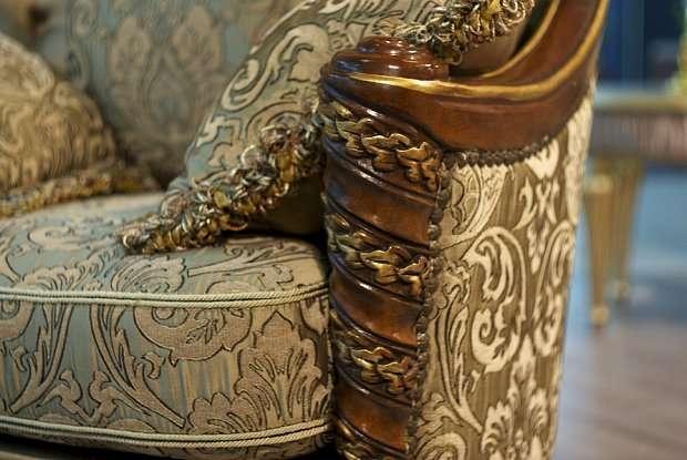 обивка и резной декор дивана Instyle Venice (Венеция)