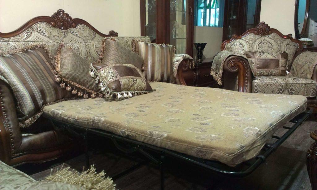 Раскладной классический резной диван Маркиз