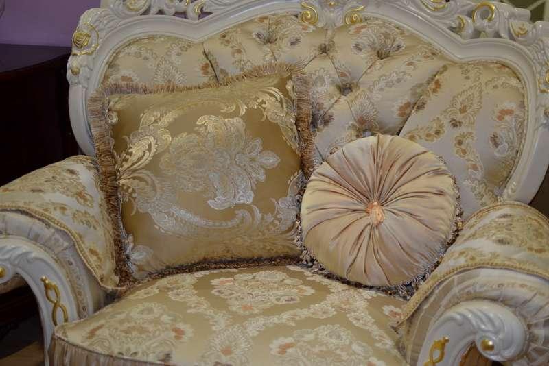Кресло белое в золоте Посейдон