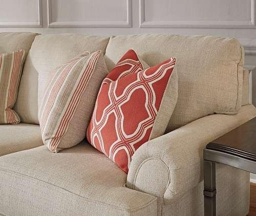 Мягкие декоративные подушки к дивану Эшли