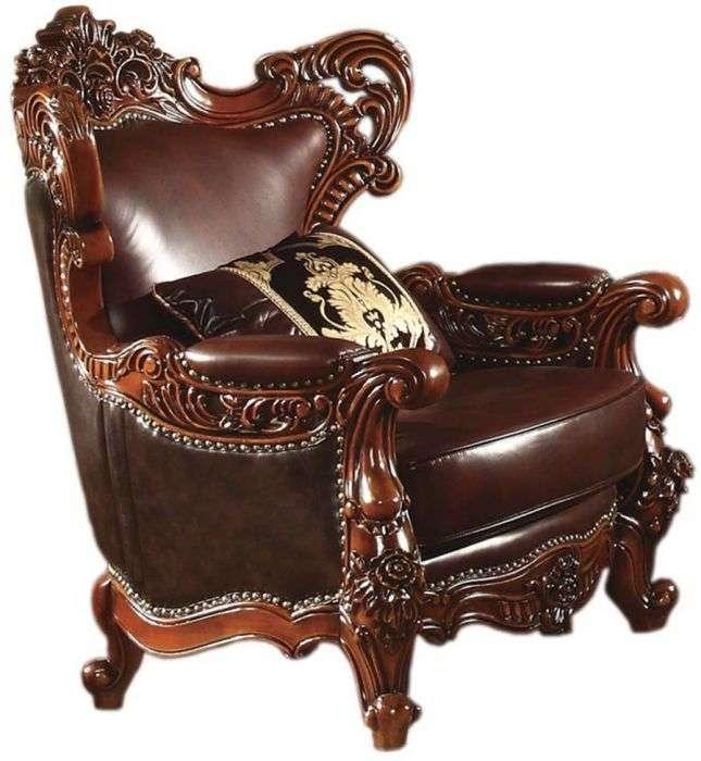Массивное кожаное темное кресло Генрих.