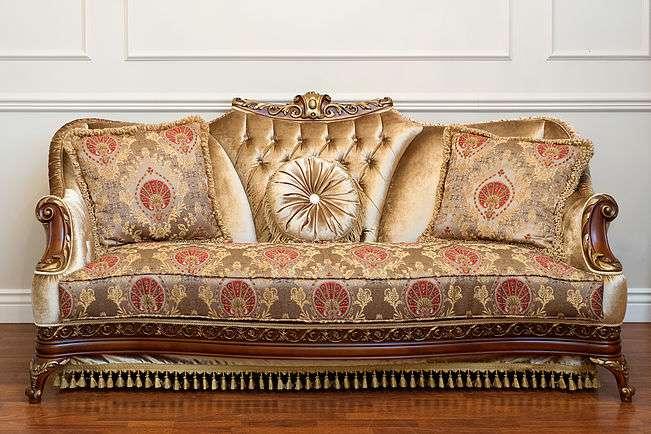 золотой диван Карат