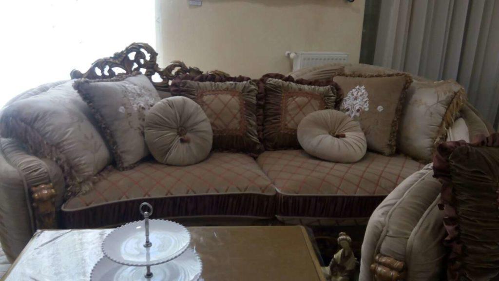 Радиальный диван в стиле итальянское рококо