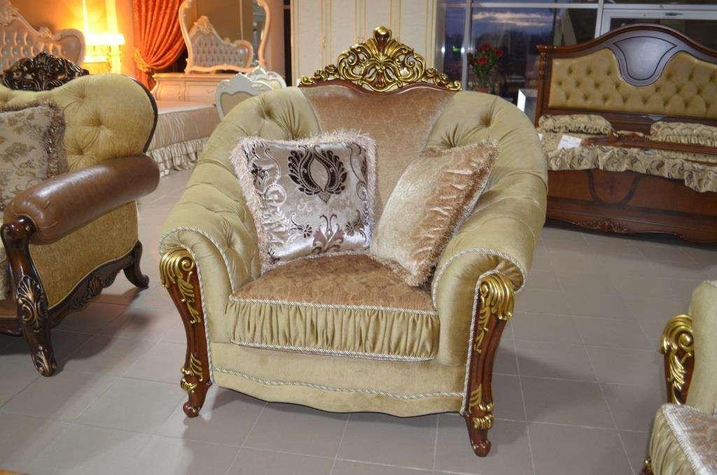 Радиусное резное кресло Прометей