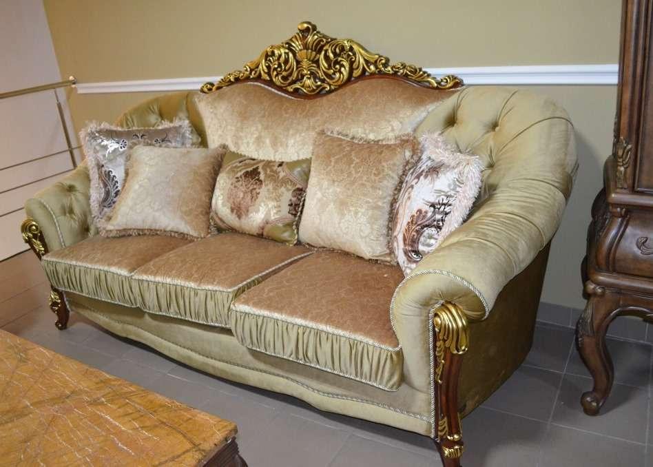 Двухмесный диван с позолотой Прометей.