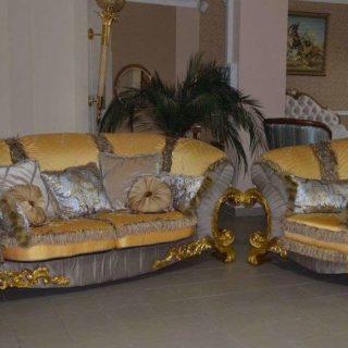 Богатый золотой диван Шейх