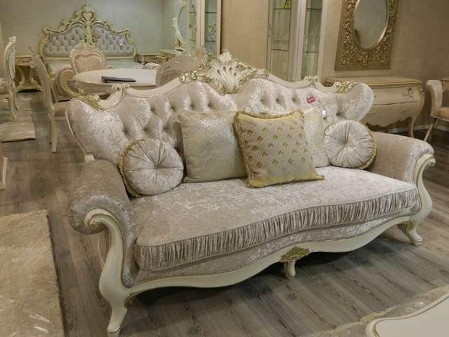 Купить классический диван из массива Шампань от Enigmа в Киеве