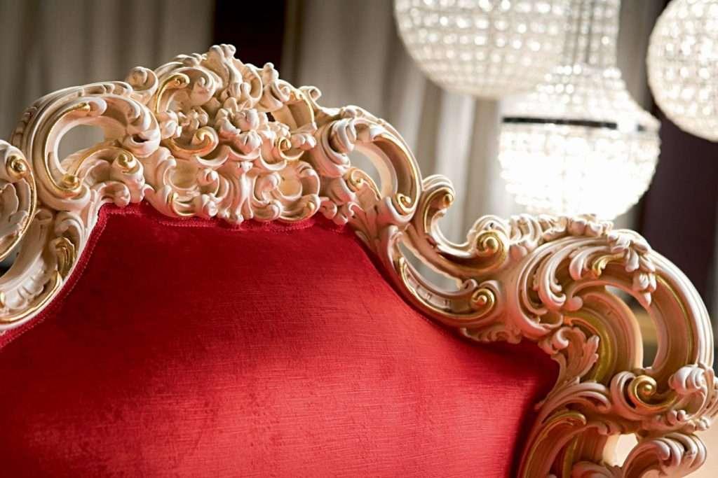 Кресло Орфео в классическом стиле от Силик