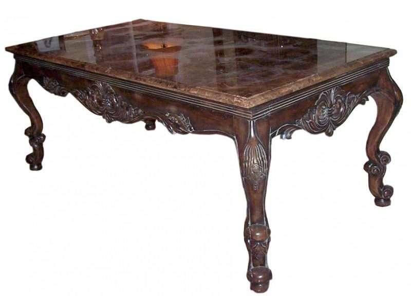 Деревянный столик с мраморной столешницей в темном цвете