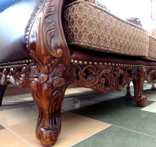 Резные ноги дивана София