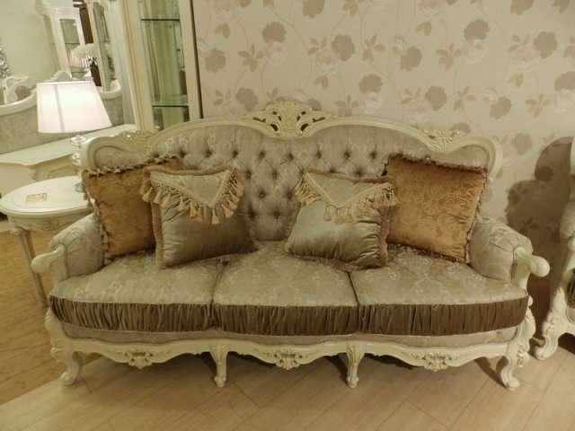 Золотой классический диван Версаль.