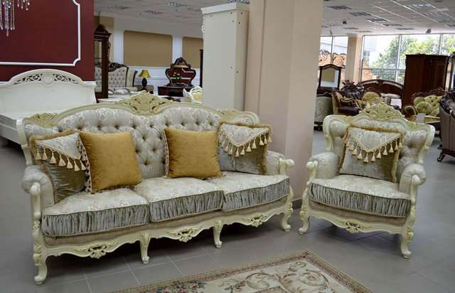 Диван и кресла в золоте Версаль. Италия