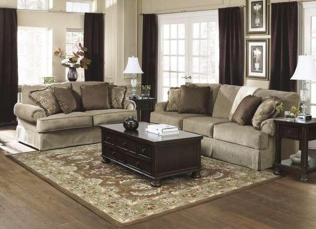 Мягкий коричневый классический диван в холл Эшли