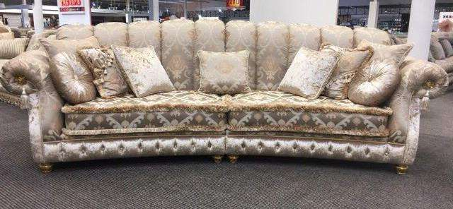 Дорогой элитный диван в Одессе на выставке