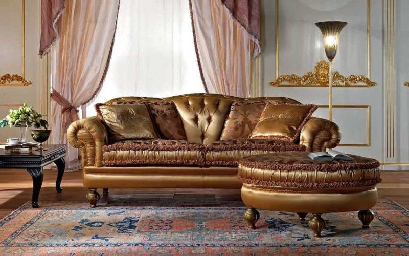 Классический диван из массива Amos от производителя Epoque Salotti