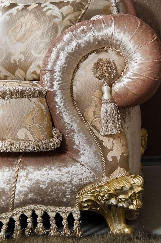 классическая обивка дивана от Альт Классик (Киев)