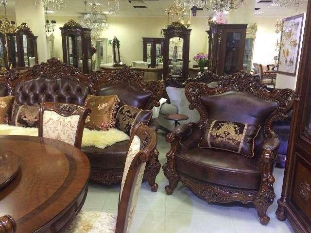 Мягкий кожаный диван Генрих для гостиной