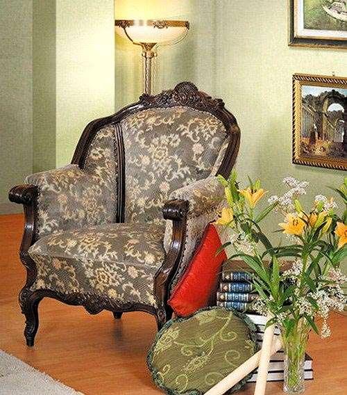 Дорогое кресло для комплекта мягкой мебели Юлиана