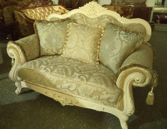 Классический белый золотой диван Колизей