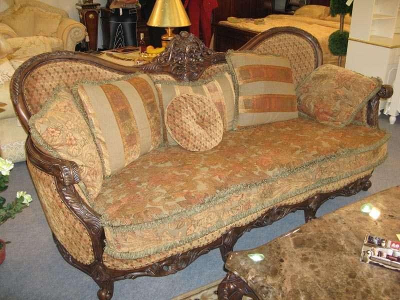 Набор мягкой классической мебели из Китая. Массив дерева гевеи