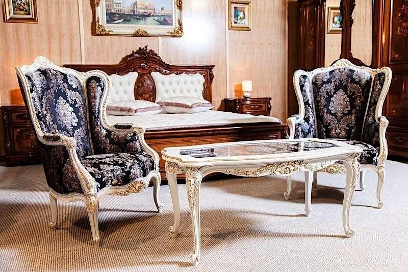 Кресла в мебельный гарнитур Амадеус в стиле ампир.