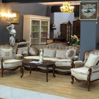 Дорогой румынский диван из массива-коллекционная мебель Регалис
