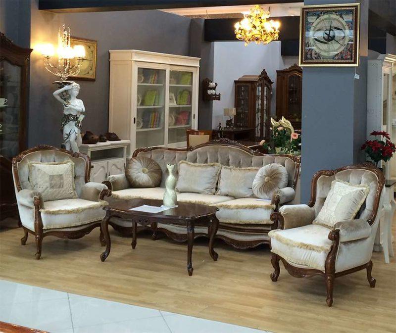 Румынский классический диван с креслами Регалис.