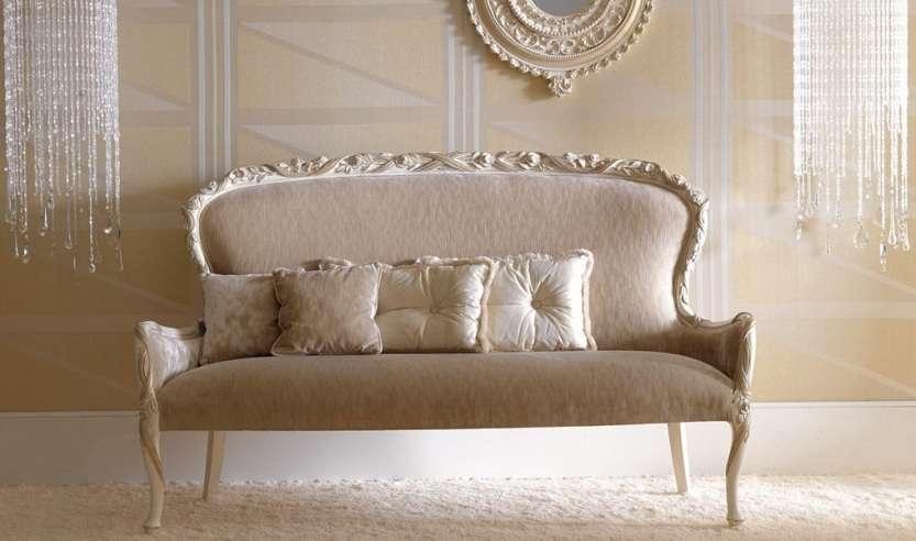диван в спальню от итальянской фабрики мягкой мебели Савио Фермини