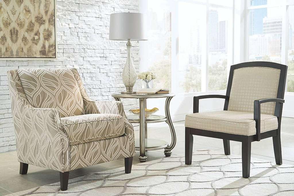 Декоративные кресла в мягкий мебельный гарнитур Эшли