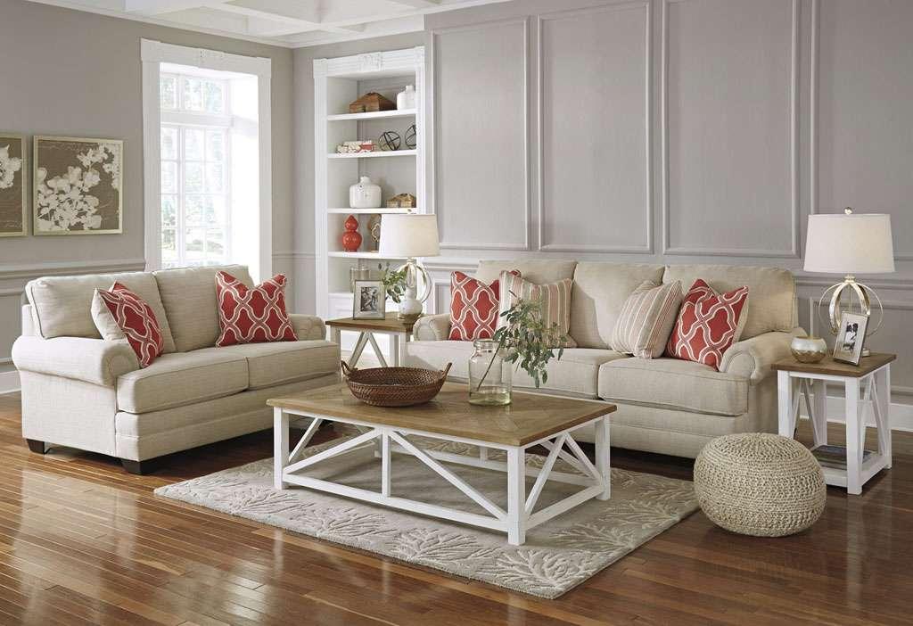 Стильная мягкая мебель в гостиную Эшли
