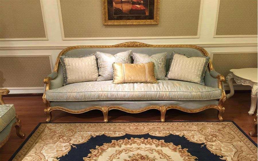 Мягкий классический диван Сильвио в стиле ампир.