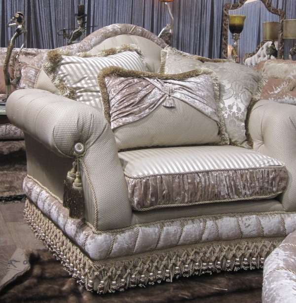 Кресло в мягкий мебельный гарнитур Джульета. Эпоха стиля