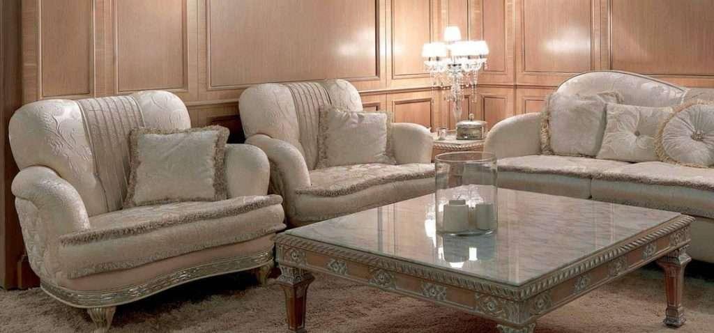 Белый диван с креслами от Итальянской фабрики