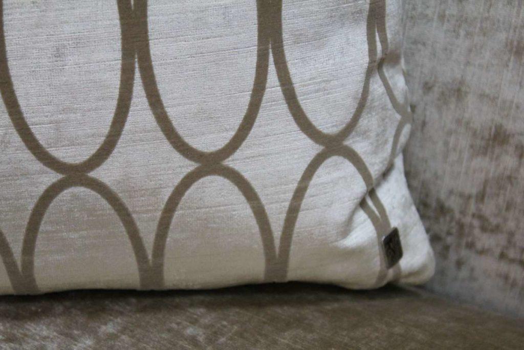 Обивочные ткани для дивана CHATAM