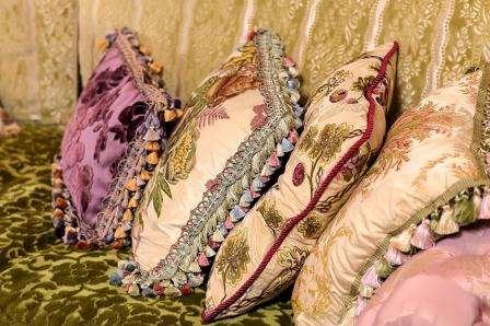 Декоративные подушки для дивана Кристал