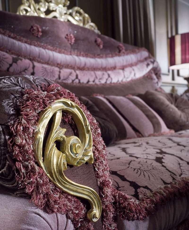 Итальянский диван в шикарной обивке Socci Anchise Imperial