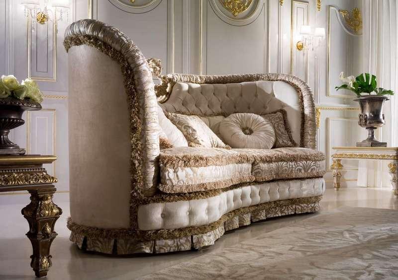 Королевский диван из Италии