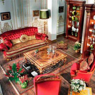 Красный диван в классическом стиле Creux. ASNAGHI INTERIORS. Италия