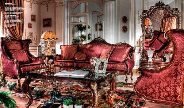 Королевский диван в классическом стиле Castore Asnaghi Interiors.