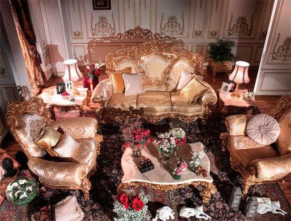 Итальянский диван с золотой патиной