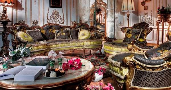шикарный диван на ножках в классическом стиле faby